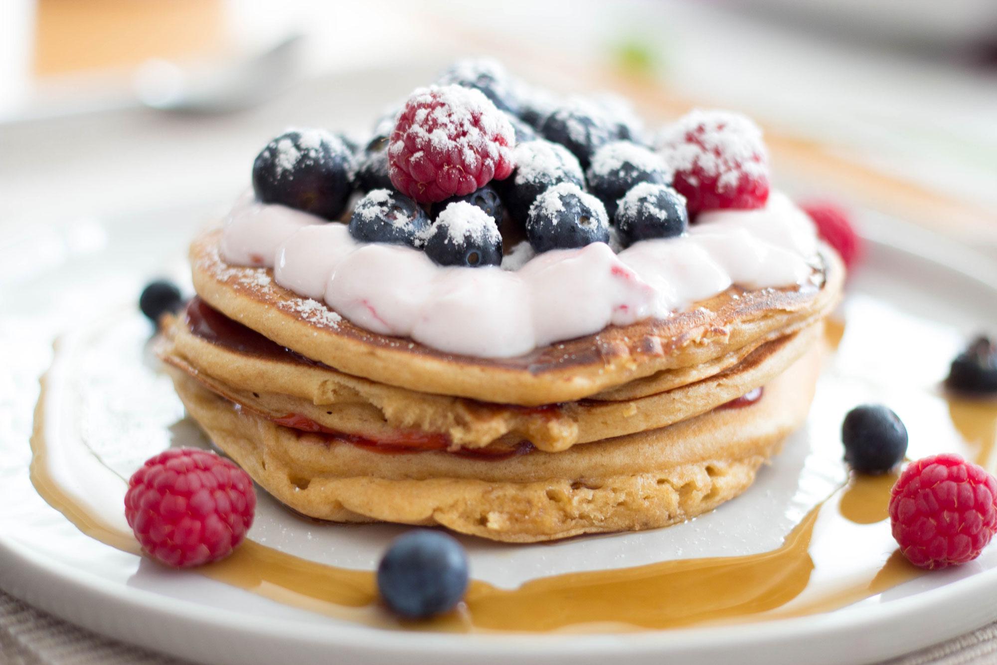 Vollkorn-Pancakes, Pfannkuchen, Vollkorn, Rezept, Foodblog, Blog, Rennradblog, Rennrad, Geradeaus, Österreich, Food, Buttermilch Pancakes, Pancakes-Rezept